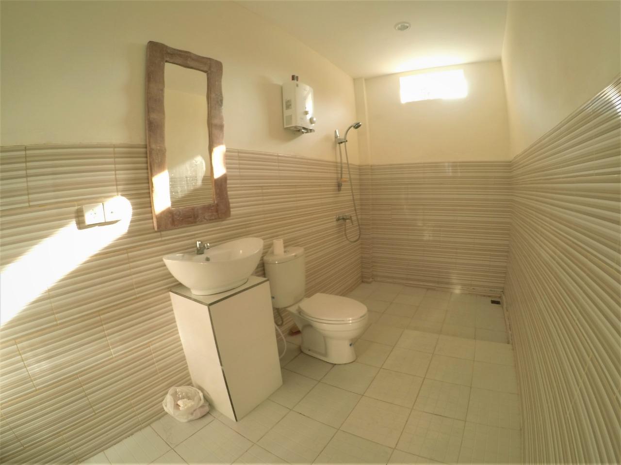 dortoir-6-lits-salle-de-bain